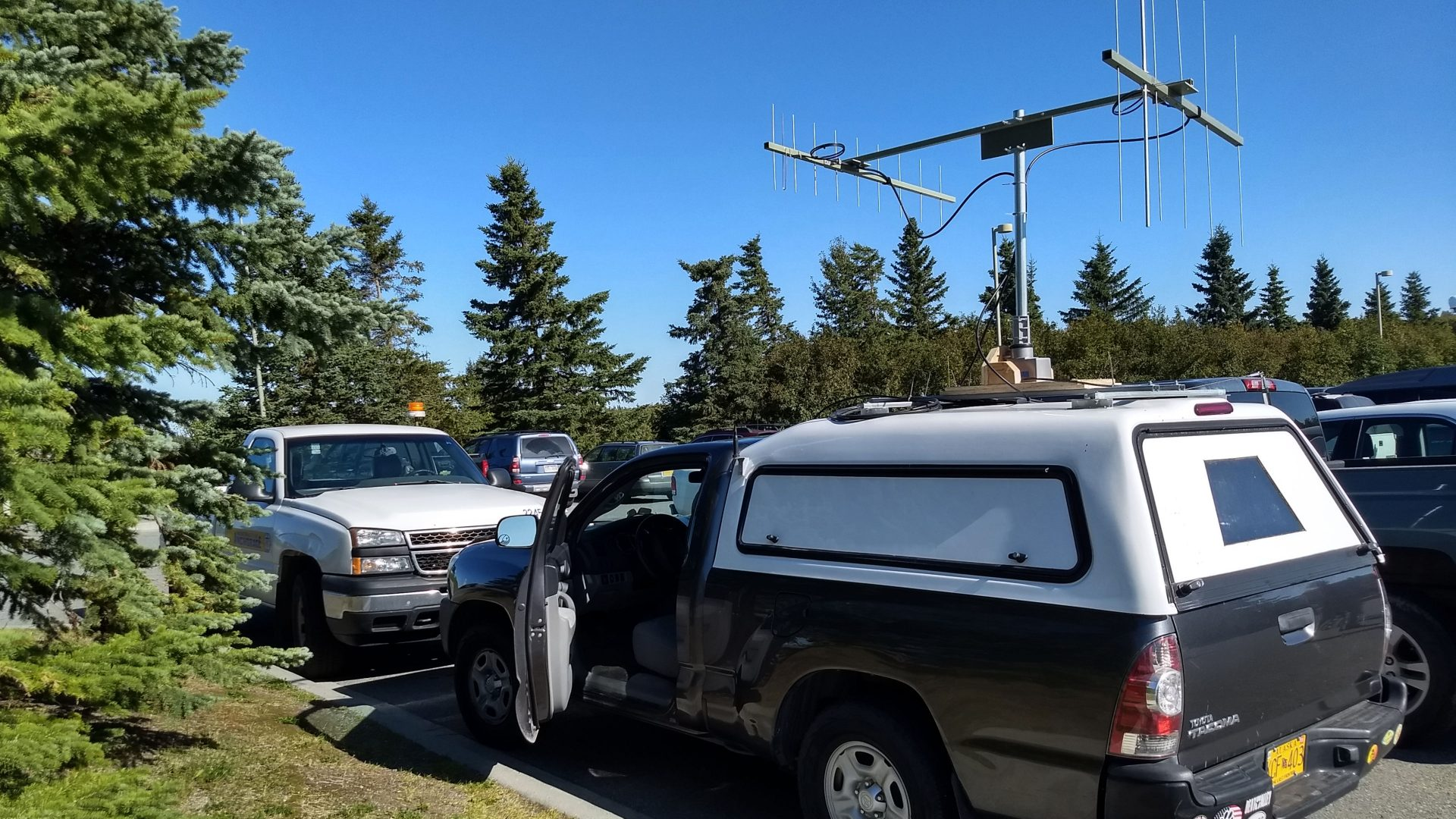 VHF contest rover in a parking lot in Anchorage