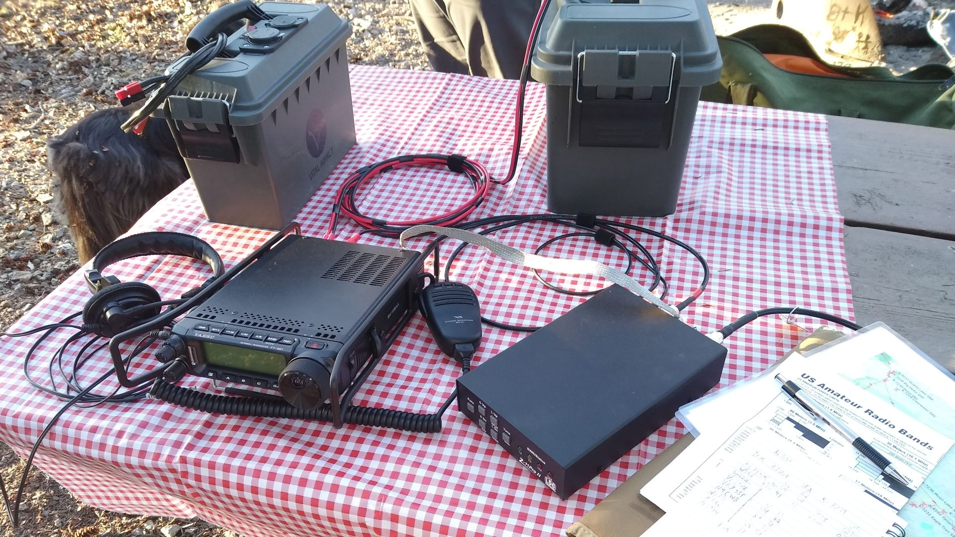 Field radio station with portable power packs